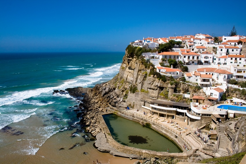 Why travel to Portugal ?